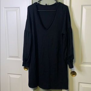 *EXPRESS V NECK BLACK DRESS*